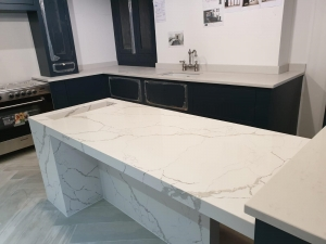 Cimstone - Calacatta Venato Table